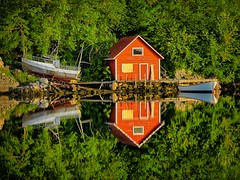 Norway (Vest der ute) Tags: trees sea seascape norway reflections mirror boat boathouse rogaland fav25 fav200 g7x ryksund