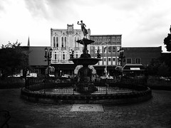 Fountain on the square (plasticfootball) Tags: bw fountain kentucky bowlinggreen