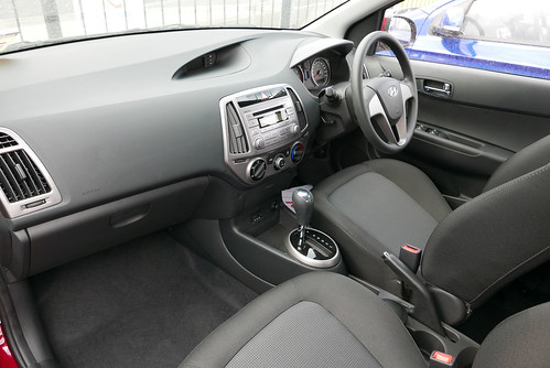 2015 Hyundai i20 (PB MY15) Active 5-door hatchback