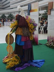 silk on display (the foreign photographer - ) Tags: road thailand bangkok sony silk exhibition thai government complex chaengwattana laksi rx100 distriction dscjul142016sony