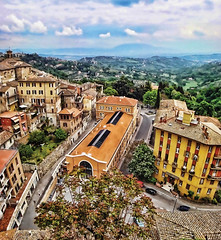 Perugia, the hidden treasure of Italy... (williamcho) Tags: italy mountains history tourism landscape town small scenic hills national quaint geographic attraction flickraward erugia flickrestrellas flickrtracelaward