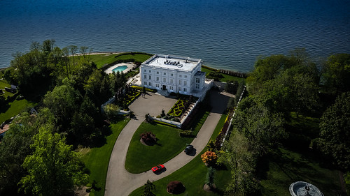 Centre Island Mansion- Aerial pic 1