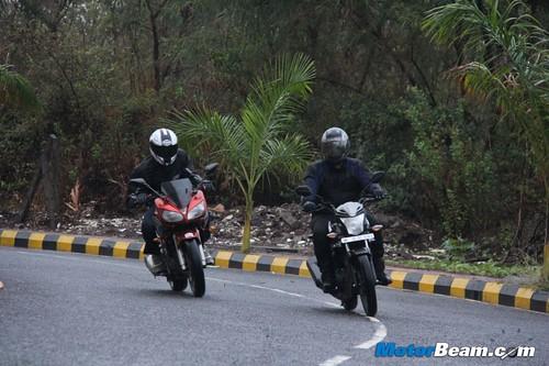 Yamaha-Fazer-vs-Honda-CB-Trigger-18