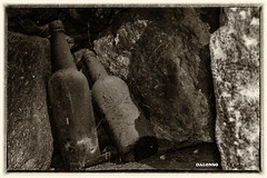 100 (DanoAlonso) Tags: pueblo iglesia bn galicia antigua cruz norte ourense