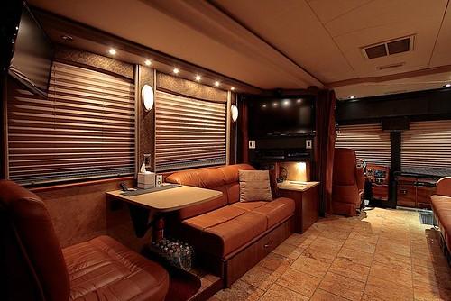 Thunder - Front Lounge