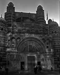 Westminster Cathedral (Nobusuma) Tags: england blackandwhite reflection london 120 film church monochrome analog mediumformat cathedral victoria chiesa bronica hp5 6x7 londra gs ilford canoscan 400iso inghilterra westminstercathedral cattedrale medioformato zenzanon  hp5plushp5 canoscan9000f