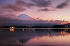 Kawaguchiko at Sunset (Yuga Kurita) Tags: sunset nature japan landscape fuji sundown dusk mountfuji fujisan 夕景 夕暮れ 富士山 mtfuji yamanashi kawaguchiko 湖 河口湖 富士 日暮れ