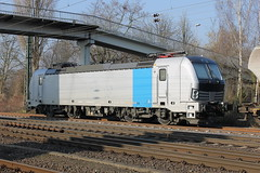 E-loc 193 811-7(Emmerich 13-2-2015) (Ronnie Venhorst) Tags: railroad station train canon deutschland eos rebel europe br d siemens eisenbahn rail railway zug cargo e loc mm t3 ac floyd bahn 811 trein spoor duitsland deutsche 1100 spoorwegen lok 2014 spoorweg 2015 emmerich elok 1435 eloc baureihe emmerik vectron goederentrein 1100d materieel br93 szolgltat eos1100d spoormaterieel eos1100 boboel nvrnumber