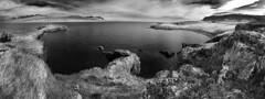 bulandstindur pano 2 8p sw (Bilderschreiber) Tags: sea bw panorama white black island iceland meer sw bucht bight schwarzweis bulandstindur