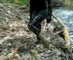 IM005389 (hymerwaders) Tags: mud boots stones steine thigh overknee pvc schlamm stiefel