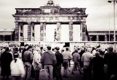 Berlin-Brandenburger Tor (EdEditz) Tags: berlin wall gate border guard 1989 brandenburg patrol 1990 stasi
