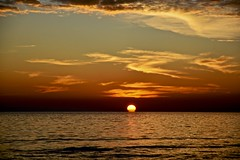 Waiting for next day (Antonio Cinotti ) Tags: sunset sea italy seascape nikon italia tramonto mare waves tuscany toscana grosseto maremma castiglionedellapescaia d7100 nikon1685 nikond7100