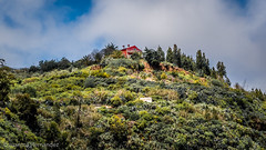 La casa de la colina. The house on the hill (Juanma Hdez) Tags: sky house casa hill cielo colina montaa montain