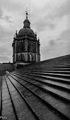 Tejado (Perurena) Tags: roof sky tower stone clouds torre cathedral cloudy catedral galicia cielo santiagodecompostela nubes tejado piedra cubierta nuboso arquitecturatradicionalgallega arquitecturasacra