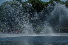 Hirshhorn Museum -1 (Webtraverser) Tags: washingtondc nationalmall waterfountain sculpturegarden nationalgalleryofart d7000