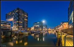 Rheinauhafen Kln / Marina Rheinauhafen Cologne (rapp_henry) Tags: moon mond nikon wasser cologne kln boote bluehour hafen nachtaufnahme d800 blauestunde kranhuser tamron1530mm28 cranebuildung