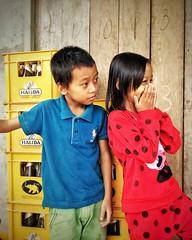 Phong Nha-Ke Bang National Park, Vietnam (Pedro Monteiro Palma) Tags: trip boy portrait girl meninos kids children holidays asia child retrato vietnam viagem crianças ferias ip iphone vietname rapariga rapaz iphone5 snapseed