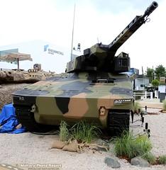 Lynx Light Armored Infantry Fighting Vehicle avec tourelle de 30mm prsent par Rheinmetall (Model-Miniature / Military-Photo-Report) Tags: 2 de systems caterpillar un international leopard boxer salon bae et patria oshkosh iveco dfense pizarro 2016 155mm scurit kmw eurosatory nexter rheinmetall