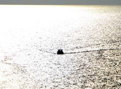 Controluce (backlight) (pjarc) Tags: camera sea sky italy costa water colors silhouette june digital lens coast boat photo nikon europa europe mediterranean mediterraneo barca italia mare foto zoom liguria peoples persone cielo d200 nikkor giugno acqua portovenere colori dx riflesso 2016 18200mm nofullframe