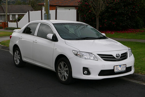 2013 Toyota Corolla (ZRE152R) Ascent Sport sedan