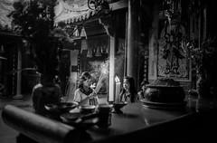 Ho Chi Minh, Vietnam (Giacomo Frullani) Tags: street people 35mm kodak tmax vietnam balckandwhite chi 400 ho minh leicam4