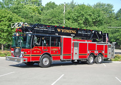 Wyoming OH - Ladder 97 (kyfireenginephoto) Tags: aerial fireengine lincolnheights wfd woodlawn hamiltoncounty hartwell lockland ohiofire