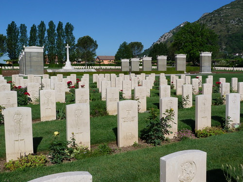 Monte Cassino - the Commonwealth War Cemetery (4)