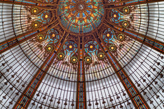 Galerie Lafayette (USpecks_Photography) Tags: paris glass colors architecture zeiss shopping circle lafayette galerie departmentstore dome artdeco magazin hdr glassdome cupole galerielafayette planart1450 zeissplanar1450 noblearchitecture