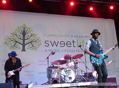 Gary Clark Jr. @ Sweetlife Festival, Merriweather Post Pavillion, Columbia, MD (5-11-2013)-0311 (BetweenLoveandLike) Tags: phoenix solange columbiamd washingtoncitypaper merriweatherpostpavillion 2013 garyclarkjr ericabruce betweenloveandlike sweetlifefestival youthlagoon