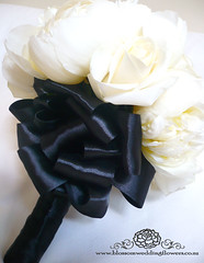 black-white-wedding-bouquet (Blossom Wedding Flowers) Tags: flowers wedding white black table head balloon ceremony reception theme brandy vases bouquets blossomweddingflowers
