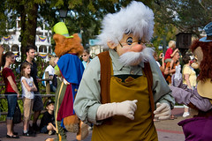 IMG_5515 (onnawufei) Tags: parade disneyworld wdw waltdisneyworld pinocchio magickingdom geppetto