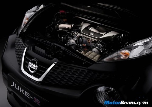 Nissan-Juke-R-16