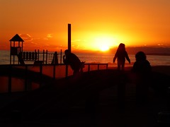 Atardecer (calafellvalo) Tags: sunset sea moon mar venus calafell playa luna pesca ciudadela ciutadella calafellvalo calafelllunavenusmarocasosunsetcalafellvalo