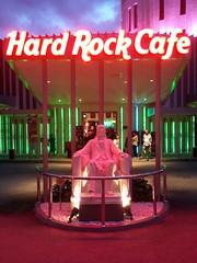 Hard Rock Cafe (Penang) (inkid) Tags: statue rock cafe hard jackson penang micheal