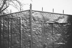 Rustic Recycling   ///   Reciclaje Rstico (Walimai.photo) Tags: door white black blanco de los puerta nikon san negro rustic gallegos 18105 felices cinzano rstico d7000
