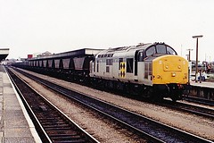 37802 at cardiff (47604) Tags: diesel cardiff coco coal mgr haa class37 37163 37802