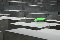 Berlin Holocaust Memorial (5ERG10) Tags: berlin green sergio architecture modern umbrella germany grey holocaust nikon memorial europe weekend landmark newyear architect engineer friedrichstadt petereisenman berlino holocaustmahnmal memorialtothemurderedjewsofeurope d300 stelae selectivecolouring gridpattern concreteslabs colourpop denkmalfrdieermordetenjudeneuropas burohappold amiti slopingfield 5erg10