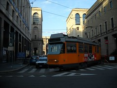 4964 - Piazza Diaz (lanciaesagamma) Tags: milano tram 4900 atm jumbotram