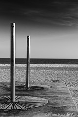 Beach Lines and Circles (Asis Glez) Tags: bw blanco beach lines mar nikon circles negro playa arena d7100