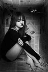 I.N.B.O.X (Mac Vincente    ) Tags: portrait bw white black sexy girl photography newspaper mac nikon vietnam and d800 vincente macphotography vteen macphuc macluckystar macfotographer macfotographie macvincente