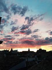 Lo que me compensa de madrugar  (Mar Martha May Marlene) Tags: amanecer palma pinkclouds beforesunrise nubesrosas