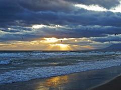 Nuboso al atardecer (Antonio Chacon) Tags: sunset espaa atardecer mar spain andalucia costadelsol mediterrneo mlaga marbella