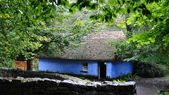 Bunratty Folk Park (agamatuszczak) Tags: blue ireland cottage bunratty countyclare folkpark