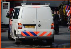 Dutch Police K-9 T5GP. (NikonDirk) Tags: dog holland netherlands dutch bike volkswagen nikon foto cops nederland police cop t5 groningen section friesland transporter drenthe k9 brigade noord politie honden dogsection biketeam hulpverlening hondenbrigade nikondirk 29lgh6