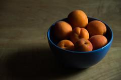 268/365 Painting light (darioseventy) Tags: light shadow orange colors ombra bowl frutta colori luce apricots arancione friut albicocche scodella