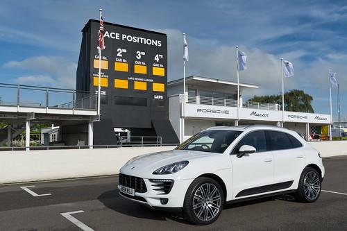 Новый Porsche Macan на фестивале скорости в Гудвуде