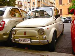 1968-1972 FIAT 500L (ClassicsOnTheStreet) Tags: italy rome roma classic car italia fiat oldtimer streetphoto spotted 500 veteran streetview fiat500 itali straatbeeld minicar strassenszene aircooled 2016 klassieker 500l gespot automobiel luchtgekoeld straatfoto 2cylinder giacosa 19681972 carspot nuova500 dantegiacosa 2cilinder classicsonthestreet roma9e0328 9e0328roma viagiovannivilleschi
