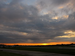 IMG_2223 (sjj62) Tags: sunset sky clouds lith s90 lakeinthehillsil lithairport