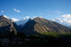 hunza valley (jzielcke) Tags: world voyage road travel pakistan de la reisen highway asia tour south silk du route karakoram kkh monde hunza soie reise welt karakorum   seidenstrasse    seidenstrase  silkenstrasse silkenstrase