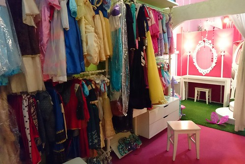 Dressing Room for Princesses 👸 @ The Tiara Society DSC_2832